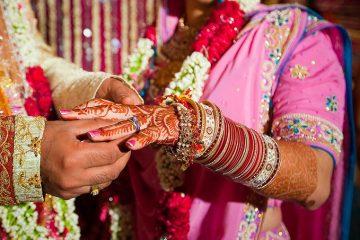 जो पत्नी बन कर बात करती थी, जब उसकी हकीकत खुली तो पति हक्का बक्का रह गया